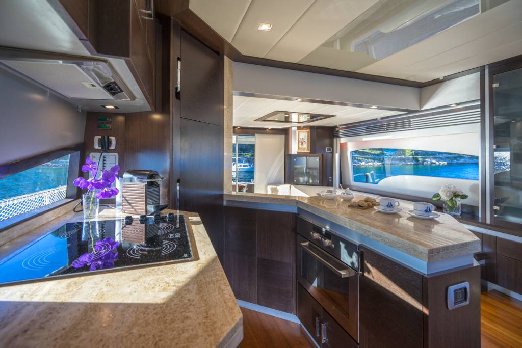 8 galley dominator 62s